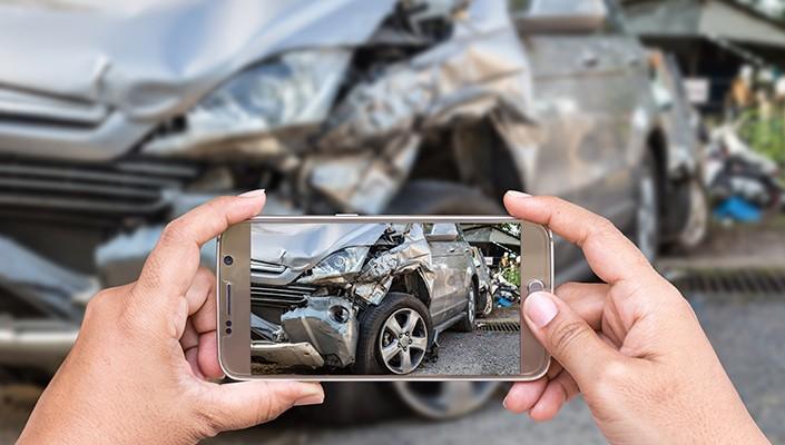 Τί κάνουμε όταν μας συμβεί ένα τροχαίο ατύχημα;